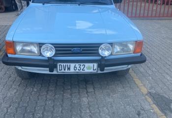 Ford Cortina P100 3.0